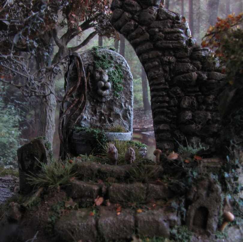 daggerandbrush, dagger and brush, daggerbrush, Wargaming, terrain, tutorial, forest, graveyard, ruins, Ghost King, Anirion Wood Elf Wizard, Reaper Miniatures, flagstone, basing, Hirst Arts